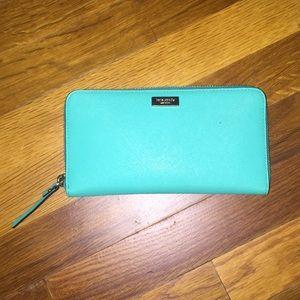 🐬Kate Spade beautiful turquoise aqua wallet